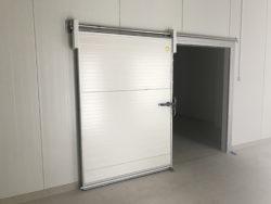 холодильные откатные двери, холодильная дверь, морозильная дверь, дверь холодильной камеры, откатная, ворота откатные, интех
