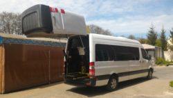 Объемная задняя дверь позволяет использовать микроавтобус для перевозки квадроциклов, гидроциклов, снегоходов.